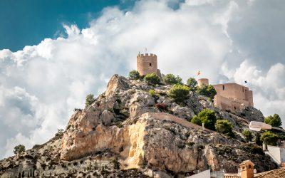 Vive la esencia de Castalla: visita su castillo y descubre su entorno natural