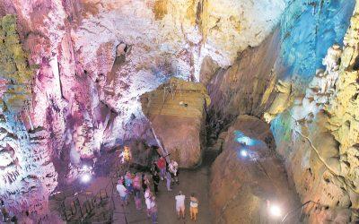 Cuevas del Canelobre, en lo más profundo de la Costa Blanca
